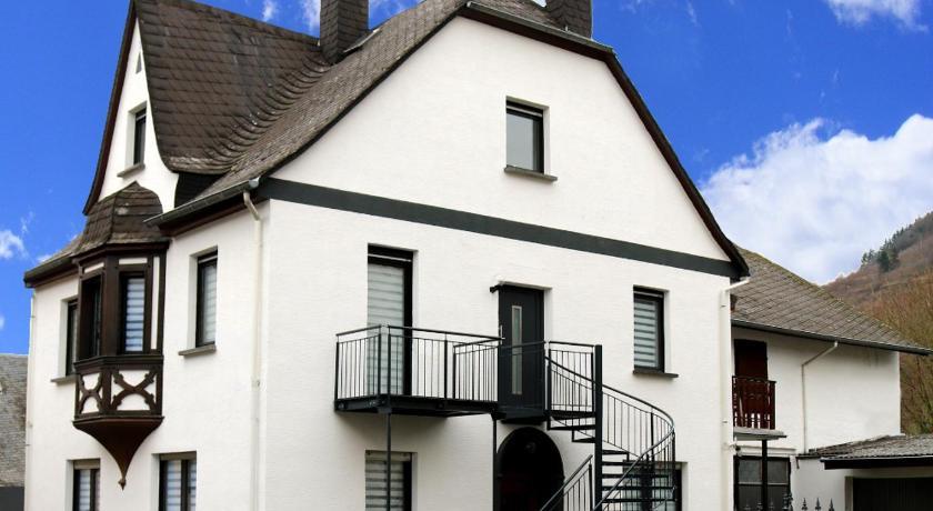 Best time to travel Germany Ferienwohnungen Fuhrmann-Burg