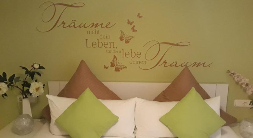 Golfhotel Oederan: Hotels beim Golfplatz Golf Sport Gahlenz e.V. ...