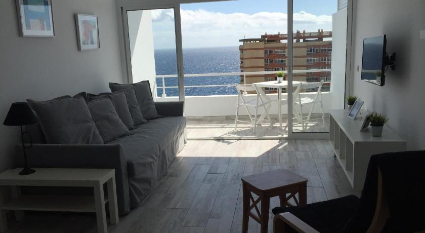 Best time to travel Tenerife vacaciones frente al mar