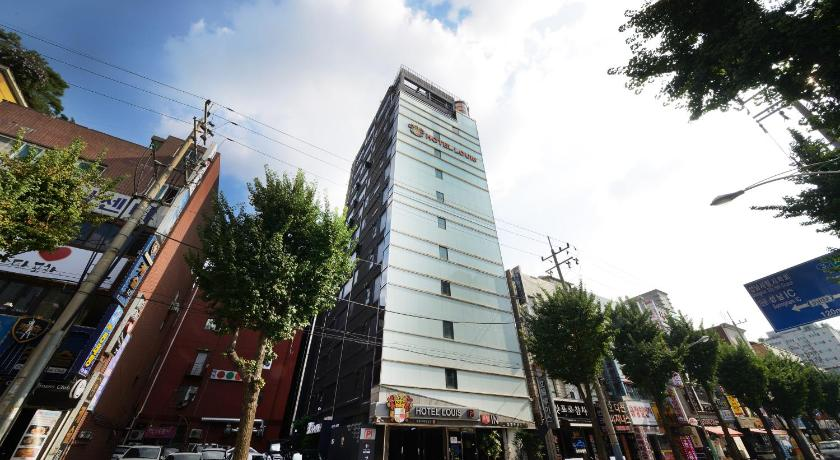 Best time to travel South Korea Louis Hotel