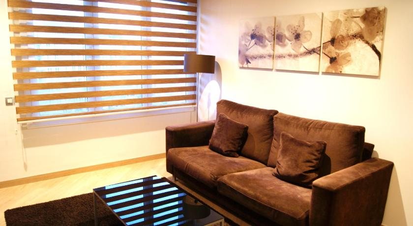 Places4stay Downtown 1BD - Barcelona