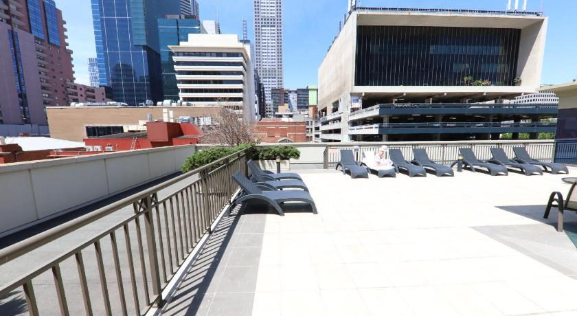 Melbourne Luxury CBD Apartment in Australia - Room Deals ...