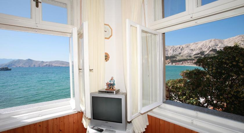 Apartma s pogledom na morje Apartment Silvana with Sea View