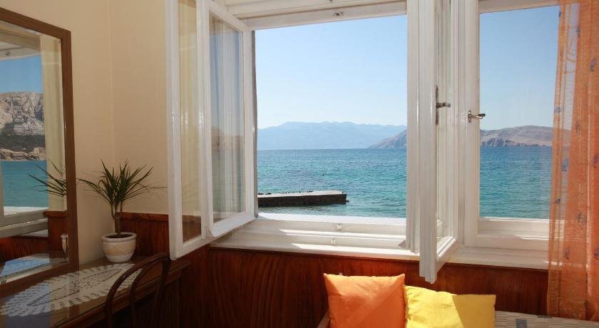 Apartment Silvana with Sea View
