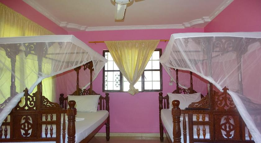 Magnificent Jambo Guest House Preise Fotos Bewertungen Adresse Tansania Home Interior And Landscaping Ologienasavecom