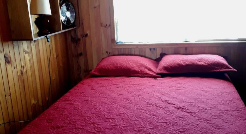 Triple Room with Private Bathroom Blanquita