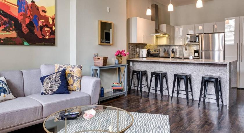 Best time to travel Milwaukee Downtown Two Bedroom Apartment
