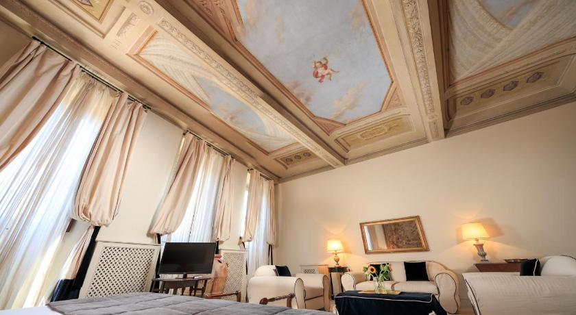 Best time to travel Italy Hotel J and J
