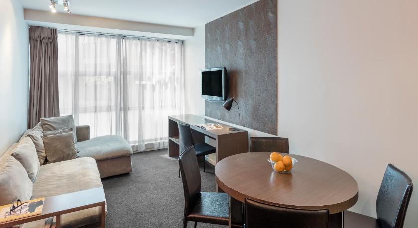 Waldorf Celestion Apartment Hotel 19 23 Anzac Avenue