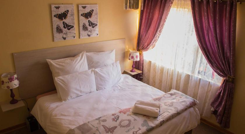 Best time to travel Harare Lolo's 2 Bed Apartment