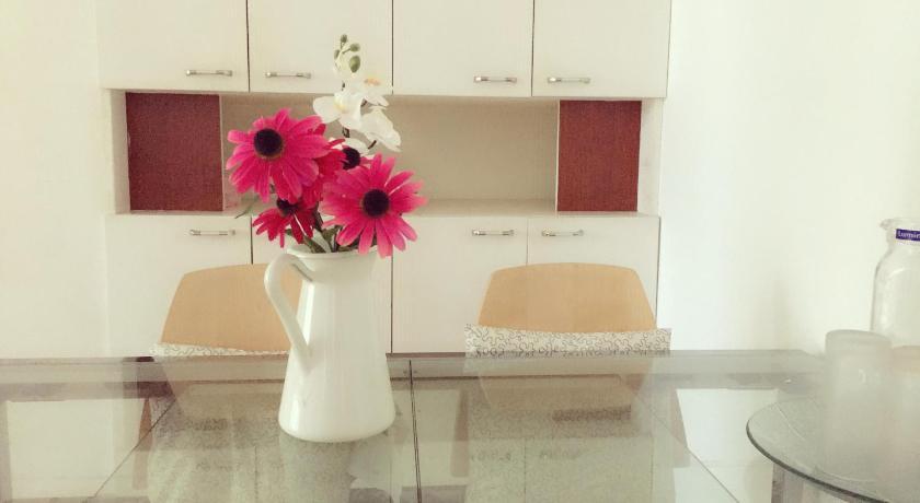 Ikea Style 3 Bed Apartmentnext To Century Park Szanghaj