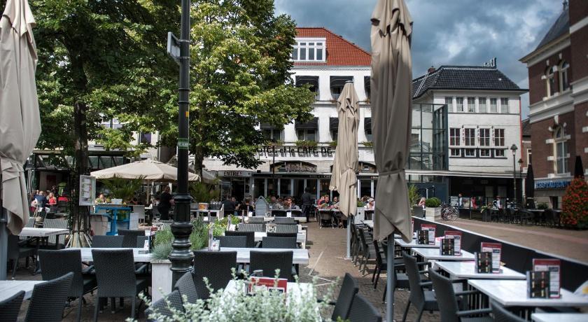 Best time to travel Netherlands Hotel et le Cafe de Paris