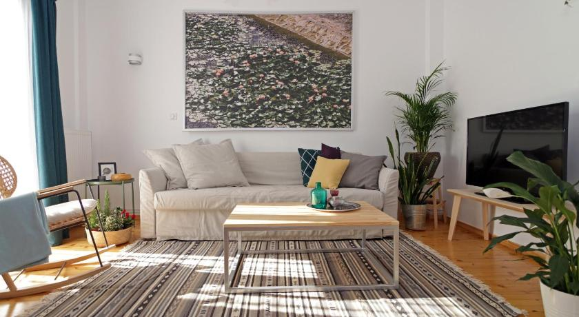 Best time to travel Thessaloniki Lena's Central Relaxed Eco Apartment