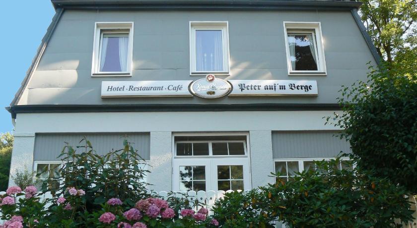 "Best time to travel Bielefeld Waldhotel ""Peter aufm Berge"""