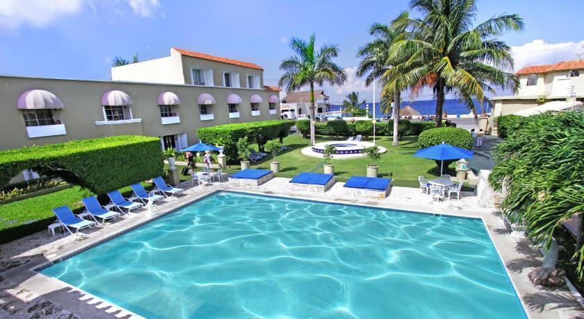 Best time to travel Mexico Villablanca Garden Beach Hotel