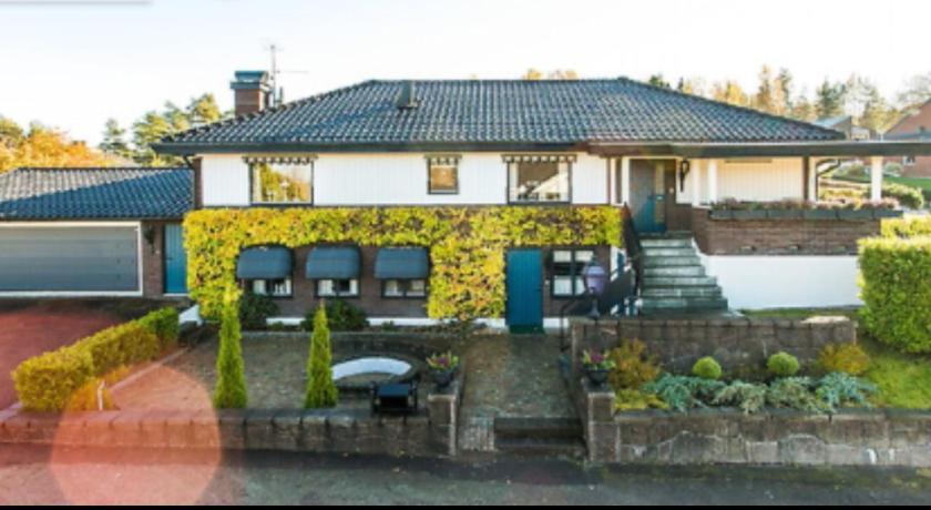Karlstads Kommun Villas - Cheap Promo Villa in Karlstads