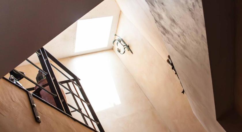 Apartamento Diseno Arabe Con Patio Y Terraza Privada
