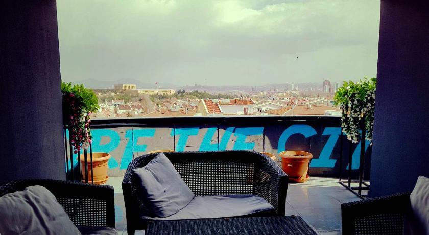 Best time to travel Ankara Inn 14 Hostel