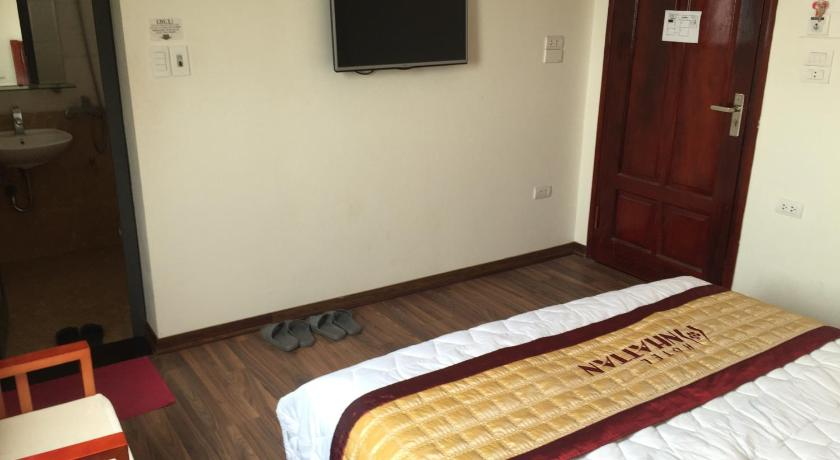 Standard Double Room Nhat Tan Hotel