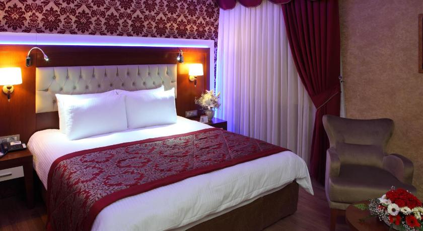 Best time to travel Adana Hotel Senbayrak City