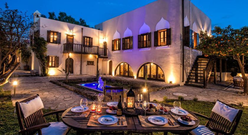 Best time to travel Rhodes Lemuria Manor