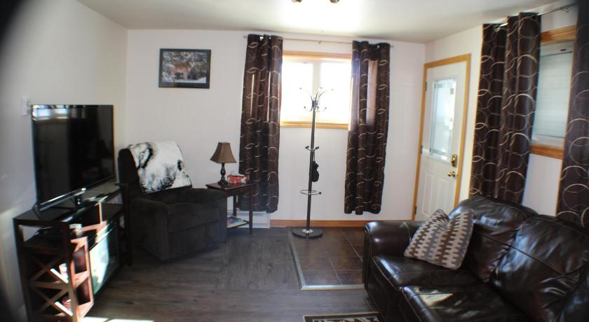 Two-Bedroom Suite Silver Wolf Vacation Rentals
