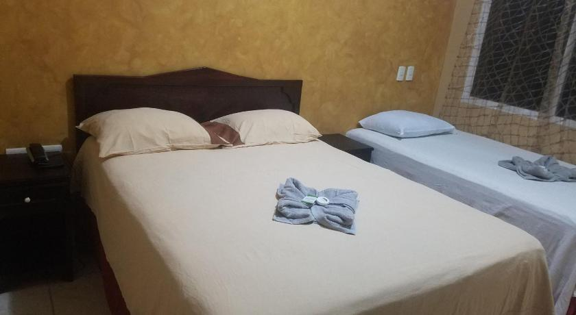 Best time to travel La Ceiba Hotel Mar Azul