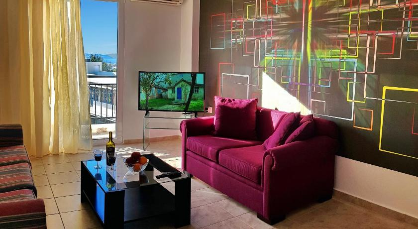Best time to travel Heraklion Martinengo apartment