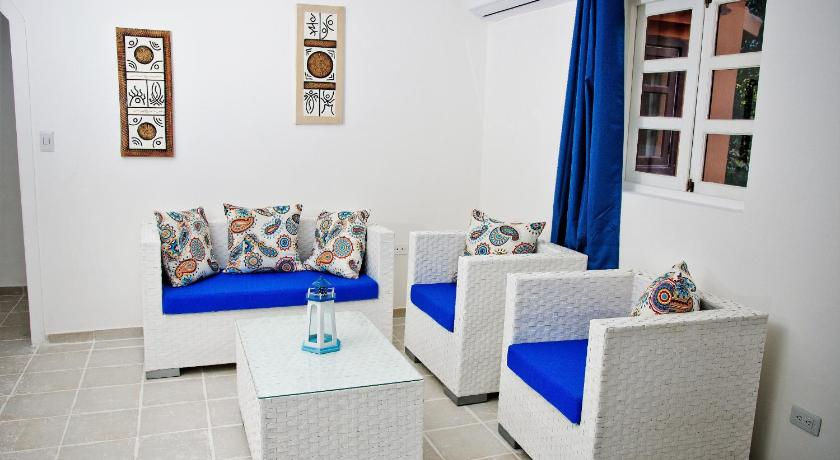 Apartament z balkonem Los Corales Beach Apartments