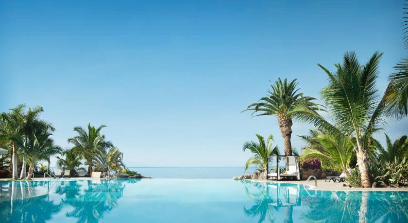 Best time to travel Candelaria Adrián Hoteles Roca Nivaria