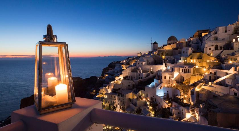 Best time to travel Greece Art Maisons Oia Castle