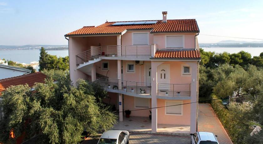 Best time to travel Croatia Apartment Tkon 6215c