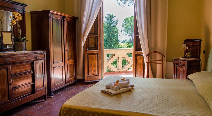 Best time to travel Italy Hotel Villa Maya