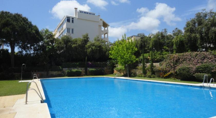 Best time to travel Costa del Sol Calahonda Royal Azucena