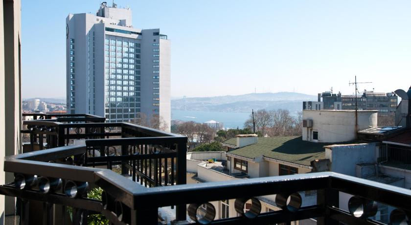 Best time to travel Üsküdar Riva Hotel Taksim