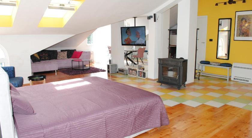 Best time to travel Croatia Studio apartman Vetma
