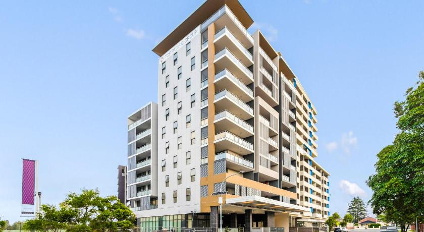 Best time to travel Australia Top Wonderland Serviced Apartments Airport