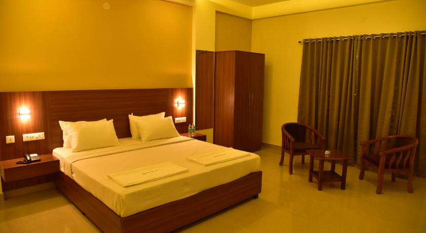 Superior Double Room Hotel Citywalk Residency