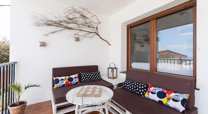 Best time to travel Costa Brava Lets Holidays Gabarra apartment
