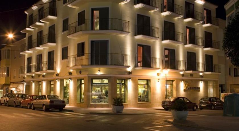 Best time to travel Menorca Hotel Loar Ferreries