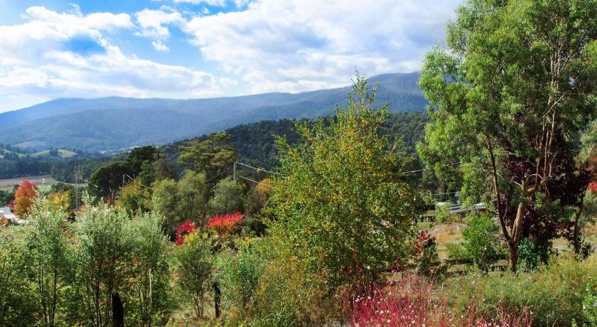 BELLA VISTA - Quiet location, fantastic views
