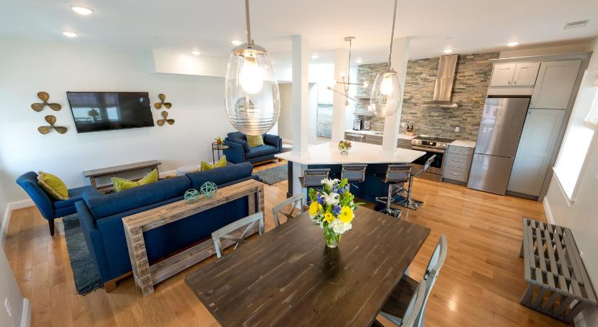 Best time to travel United States The Newport Lofts - 364 Thames Street