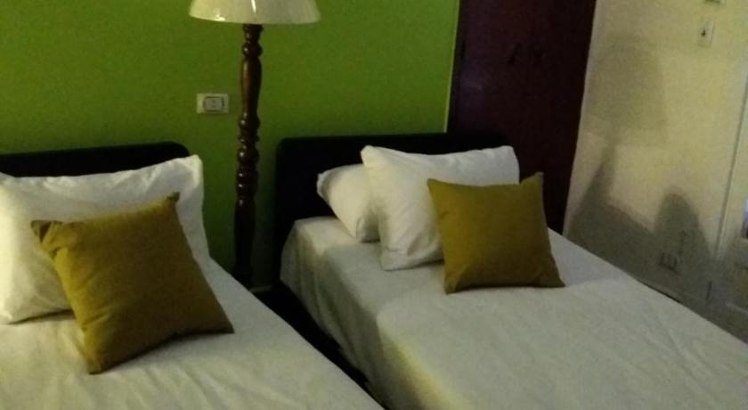 Double Room with Shared Bathroom Garden View Hostel