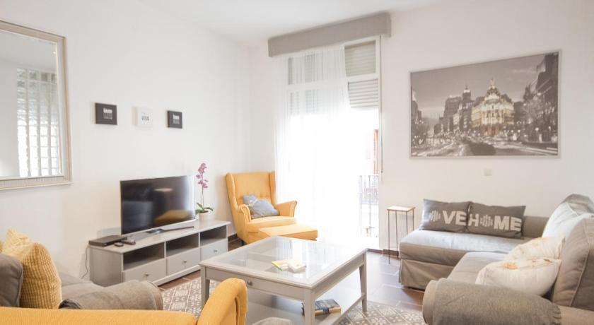 Best time to travel Madrid Enorme y acogedor piso en la puerta del sol