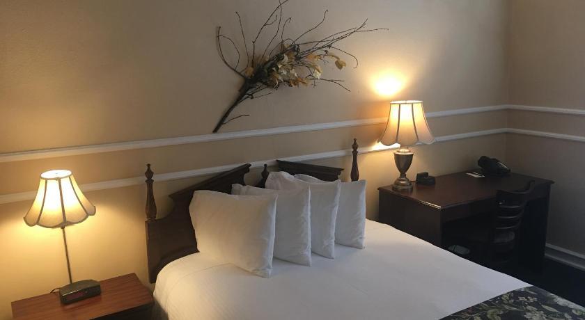 Kalispell Grand Hotel In Kalispell Mt Room Deals Photos Reviews