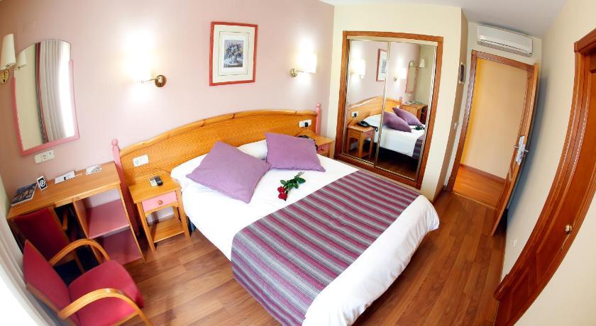 Best time to travel Costa del Azahar Maria de Luna