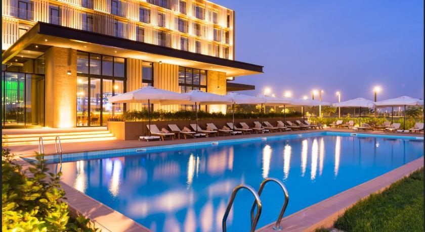 Best time to travel Senegal Radisson Hotel Dakar Diamniadio