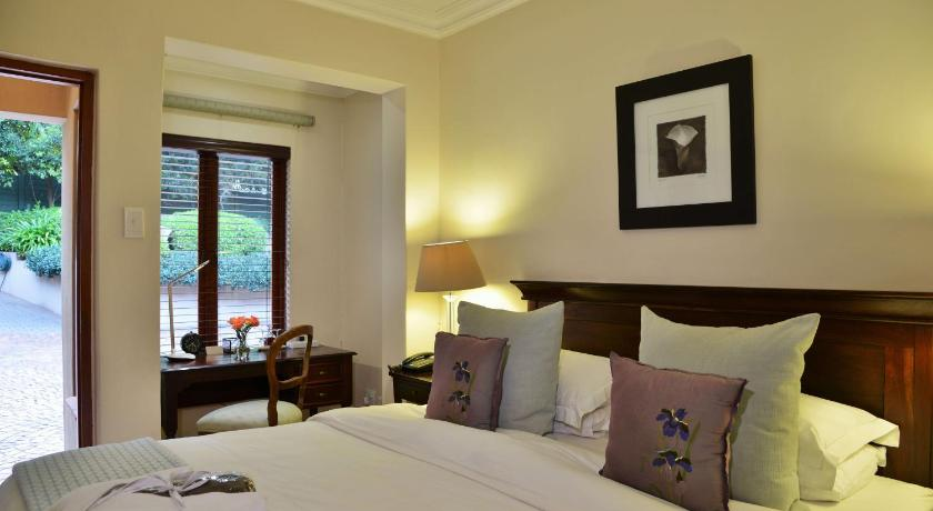 Standard Double Room Bellgrove Guest House Sandton