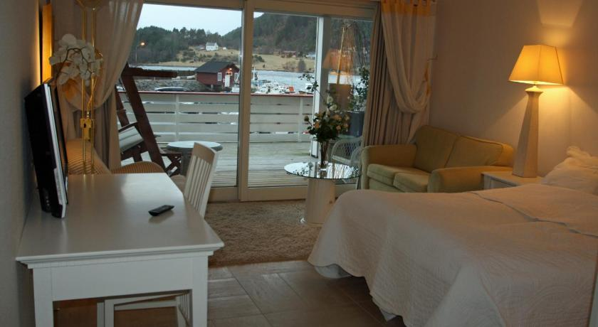 Standard Double Room Sunde Fjord Hotel