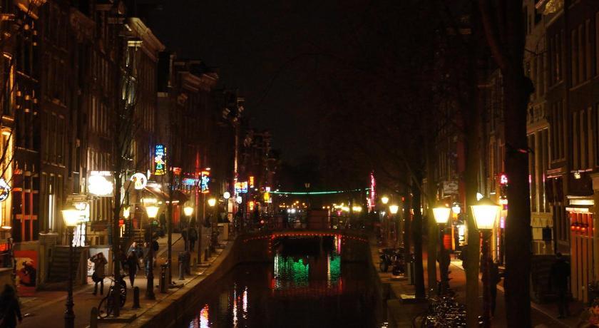 Best time to travel Amsterdam Hotel Royal Taste